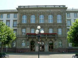 Justus Liebig Universitat Giessen